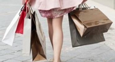 Thumb o woman shopping bags street facebook
