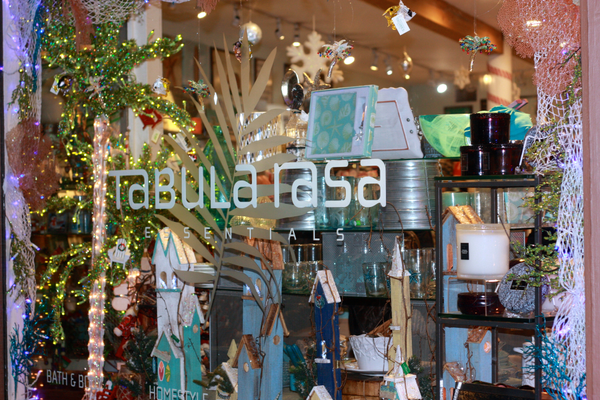 Tabula Rasa Essentials is all decked out for the holiday season.