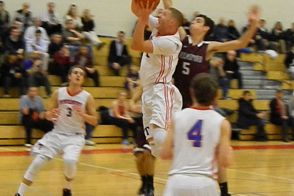 Justin Derrah (42) had 16 points against Chelmsford.