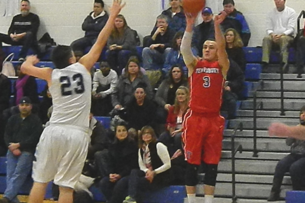 Alex DiRocco (3) buried five three-pointers against Dracut.
