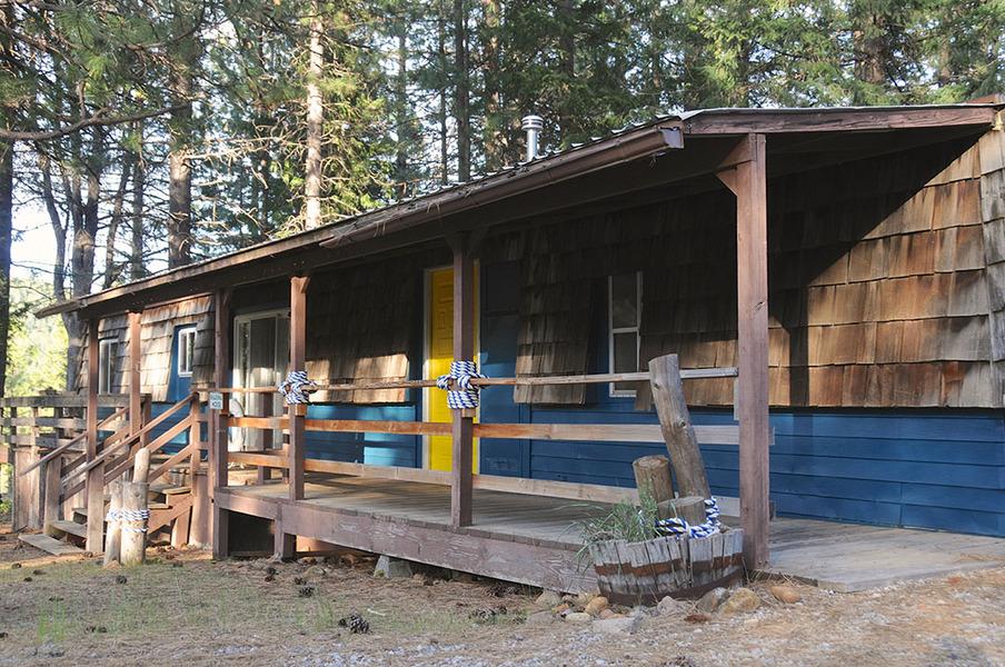 Lake siskiyou camp resort enjoy magazine for Lake siskiyou resort cabins