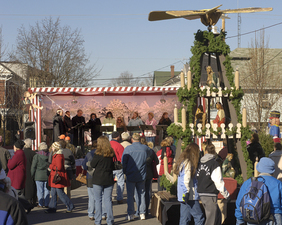 Mifflinburgs Christkindl Market - start Dec 10 2015 1200AM