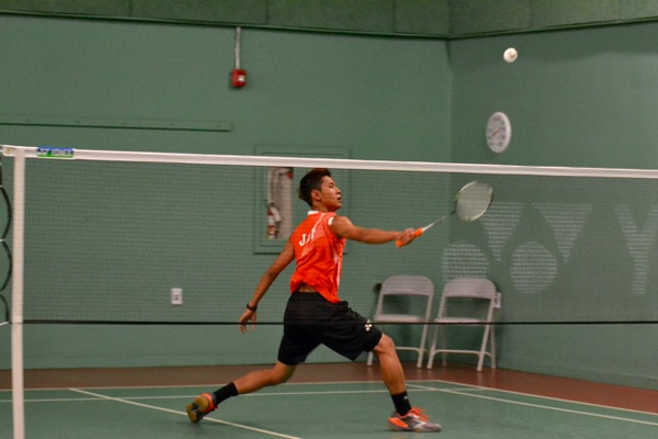 Phillips Jap of the USA uses his backhand.