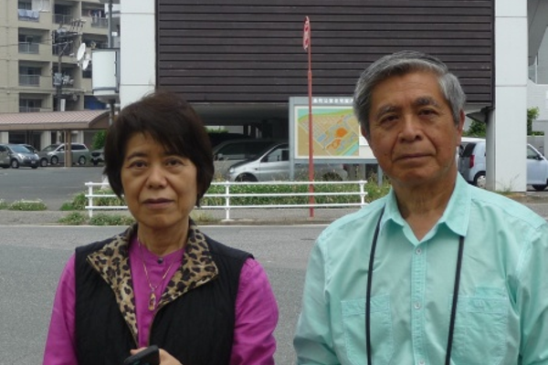 Brother and sister visit Japan and their birthplace. —Toshiharu Kano