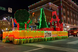 XTO Energy Parade of Lights - start Nov 20 2016 0600PM
