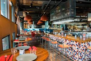 Medium 105  mj18326 teleferic restaurant