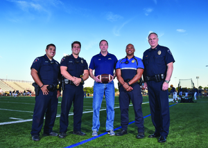 Arlington Coach 5-0 Program Builds Bond Between Student Athletes and Police - Nov 17 2016 0507PM