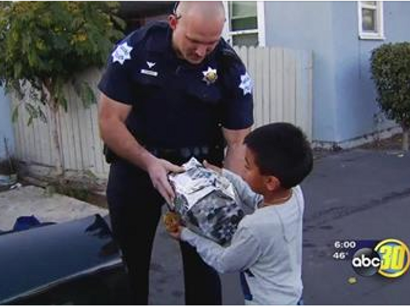 In Spirit of Christmas, Fresno Police Officers Deliver Around 800 Gifts to Families in Need