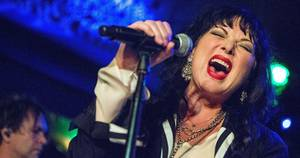 Medium rs heart ann wilson 52266494 03fd 4778 ac4a 9568fd673684