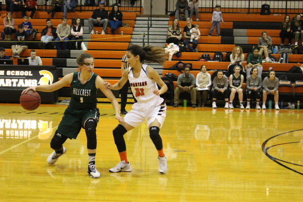 Junior Gabi Desjardins dribbles the ball against Murray on Jan. 17. (Travis Barton/City Journals)