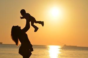 Medium mother daughter love sunset 51953