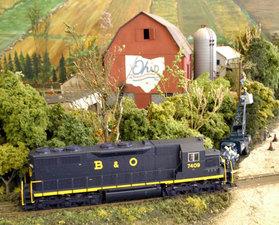 Medium railroads in the parks ohio bicentennial barn model railroad 634x512