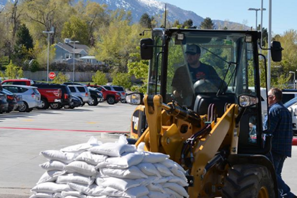 Volunteers filled more than 1,000 sandbags on a Saturday afternoon. (Dan Metcalf Jr./Cottonwood Heights City)