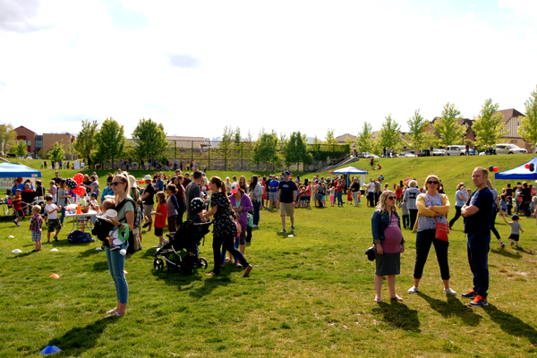 2017 Ladybug Festival in Daybreak draws record crowds of more than 500 residents. (Keyra Kristoffersen/City Journals)