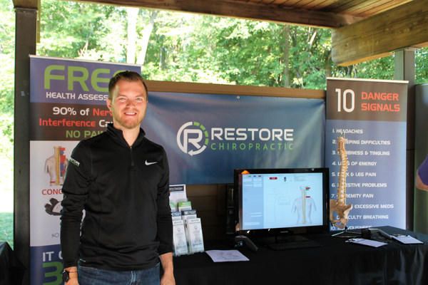 Restore Chiropractic at the 2017 District 279 Foundation Reading is Fun Run/Walk (photo by Wendy Erlien / Maple Grove Voice)
