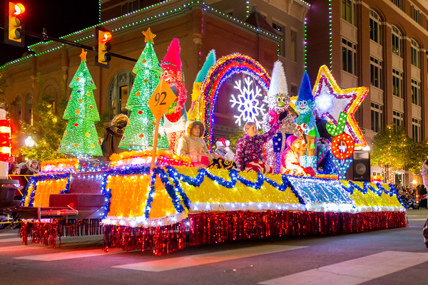 2016 20parade 20of 20lights 2091 20spjst 20lodge 20154 3 m
