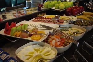 Medium buffet brekafast 5078306699 300x200