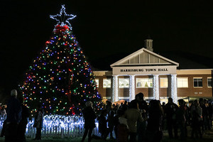 Harrisburgs Christmas Tree Lighting - start Dec 01 2017 0600PM