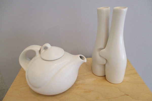A teapot and interlocking vases by Peter Saenger.