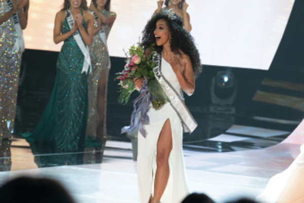 MISS USA 2019 CHESLIE KRYST