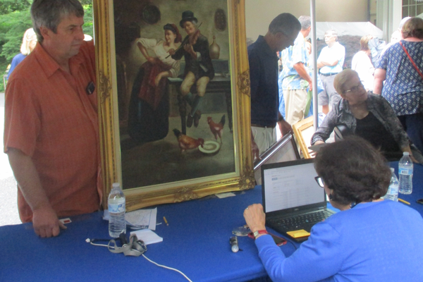 Paintings were brought in all day long by visitors.