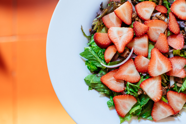 Strawberry Candied Pecan Salad (vegan option)