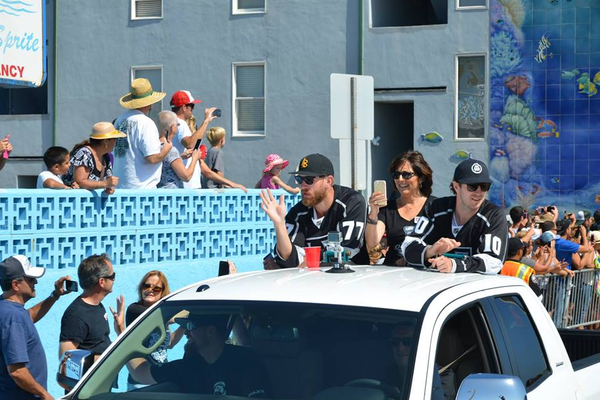MB Mayor Amy Howorth rode with two Kings player throughout the parade.